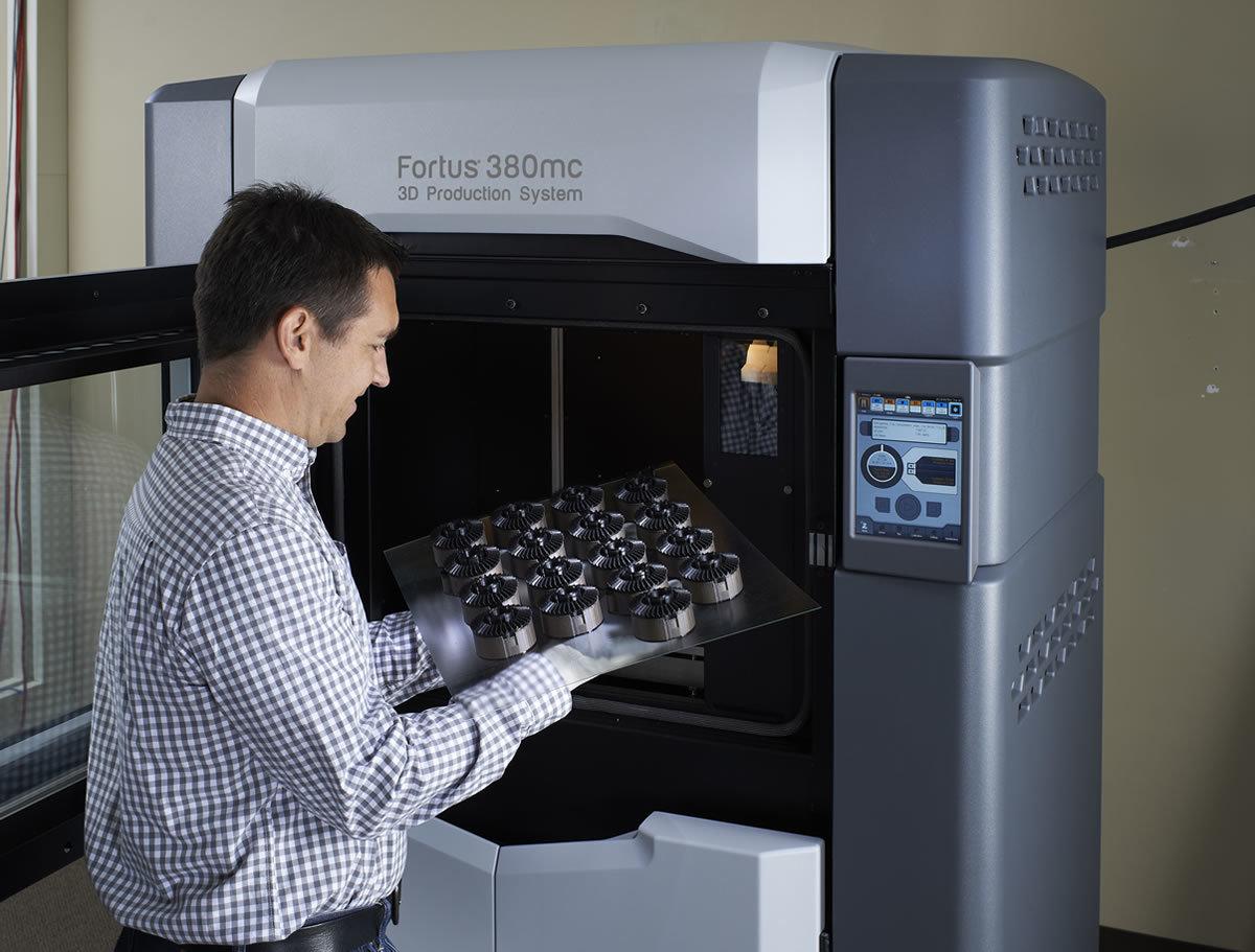Насколько отличается печать на 3D-принтерах за $2200 и за $200000 - 2
