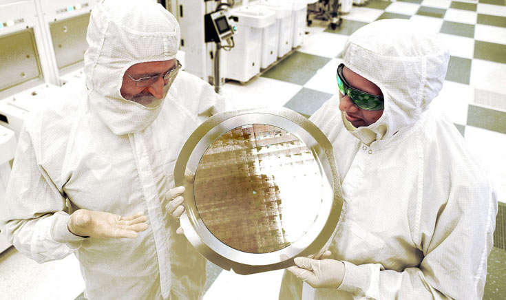 IBM удалось создать первую 7-нанометровую микросхему с функционирующими транзисторами