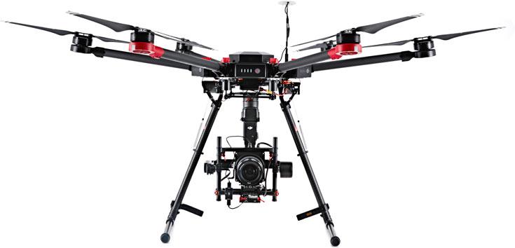 В набор входит дрон DJI M600 и камера Hasselblad A5D