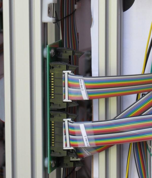 Британский инженер построил 500-килограммовый процессор из дискретных элементов. Этапы работы и интервью с создателем - 19