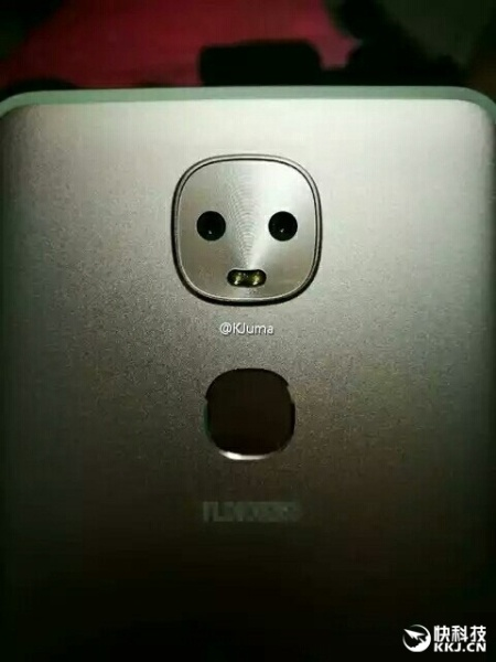 LeEo готовит смартфон со сдвоенной камерой