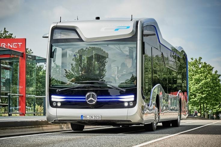 Mercedes-Benz показала в деле беспилотный автобус