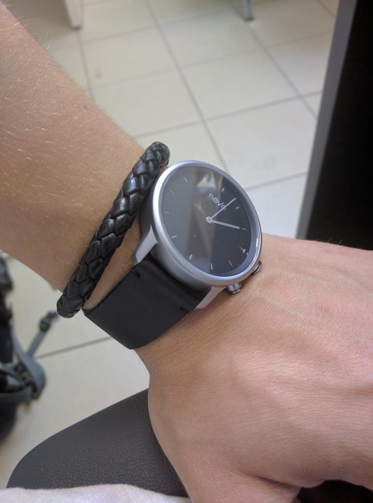 Nevo — смарт-часы для тех, кому не нужны смарт-часы? - 2