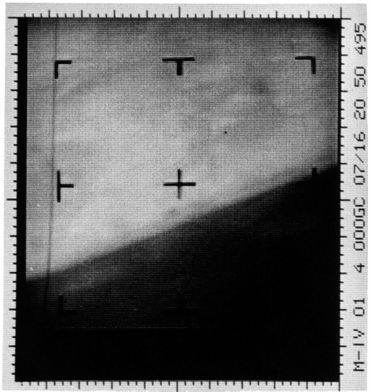 Первое в истории изображение Марса, сделанное космическим аппаратом, было раскрашено вручную. Почему? - 4