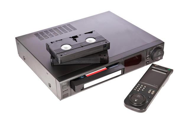 Япония выпустит последний видеомагнитофон VHS - 1