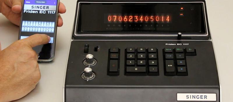 Дисплей калькулятора Singer, выпущенного 45 лет назад, превратили в программируемые часы - 1
