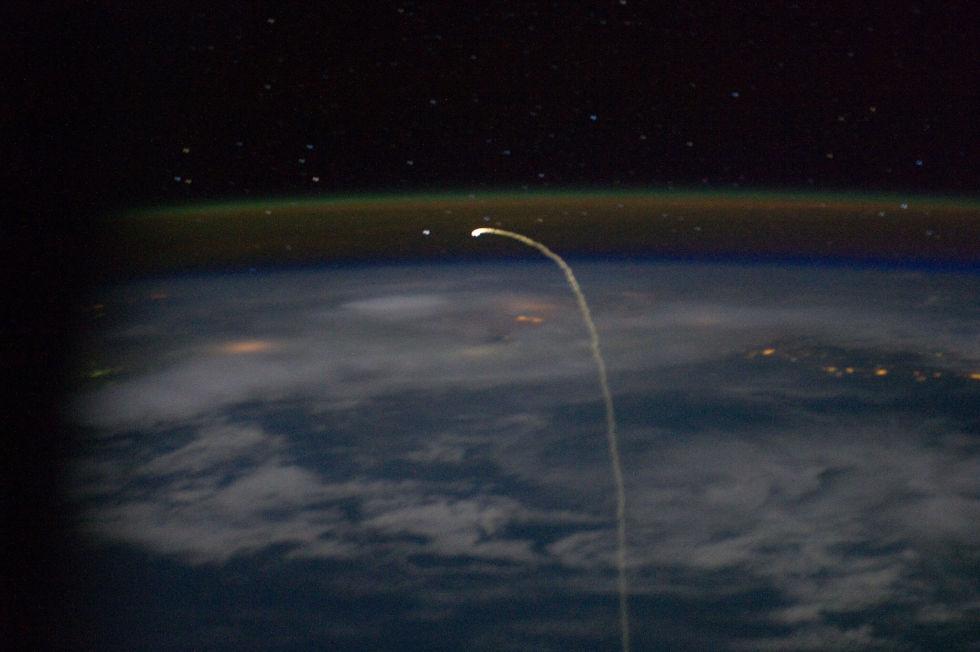 Последний полет шаттла глазами астронавта МКС - 2