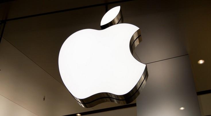 Продажи iPhone упали на 15%