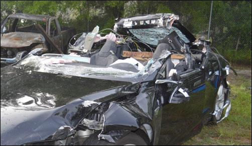 Tesla, попавшая в мае в аварию со смертельным исходом, ехала с превышением скорости - 4