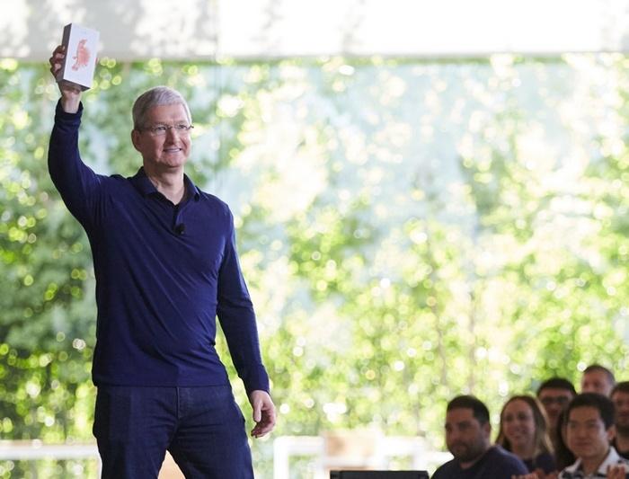 Apple продала более миллиарда смартфонов iPhone