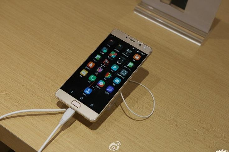 Смартфон Lenovo Vibe P2 сохранит особенности прошлой модели
