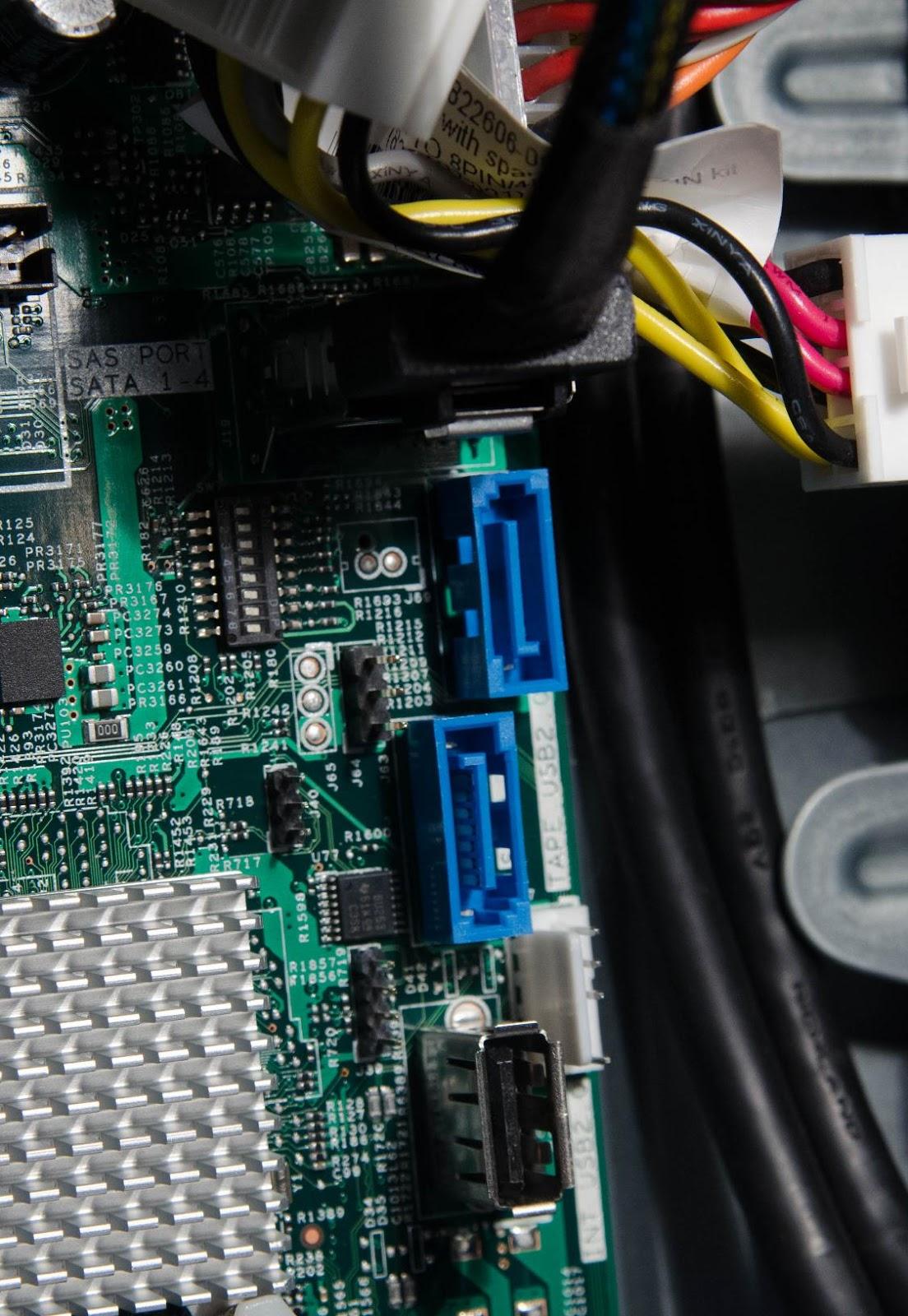 MаL, да удал: Обзор младших серверов линейки HPE ProLiant ML - 12
