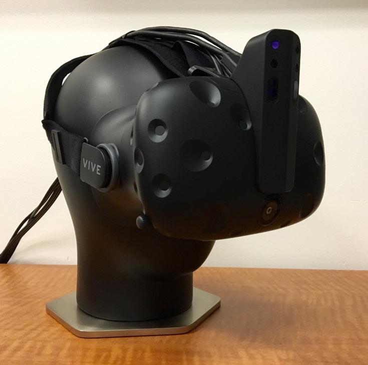 Дополнение, напоминающее рог носорога, позволяет получать данные о глубине сцены