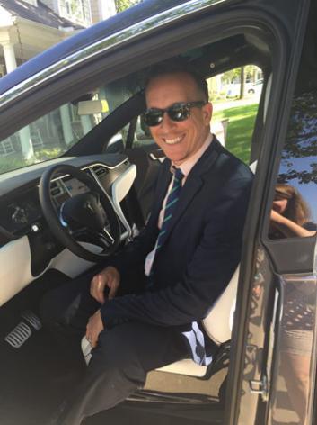 Автопилот Tesla спас жизнь водителю: довёз до больницы - 2