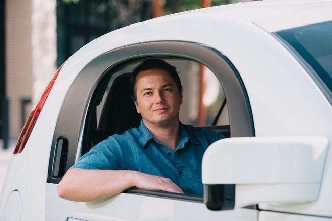 Один из руководителей проекта беспилотного автомобиля Google покинул компанию