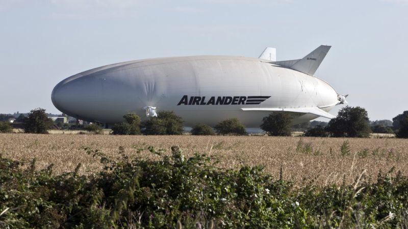 Крупнейший в мире самолёт-дирижабль Airlander 10 впервые покинул ангар - 2