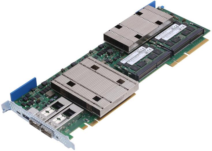 На плате установлен процессор серии Intel Xeon D