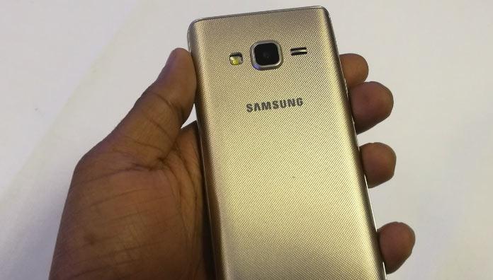 Смартфон Samsung Z2 относится к бюджетному сегменту