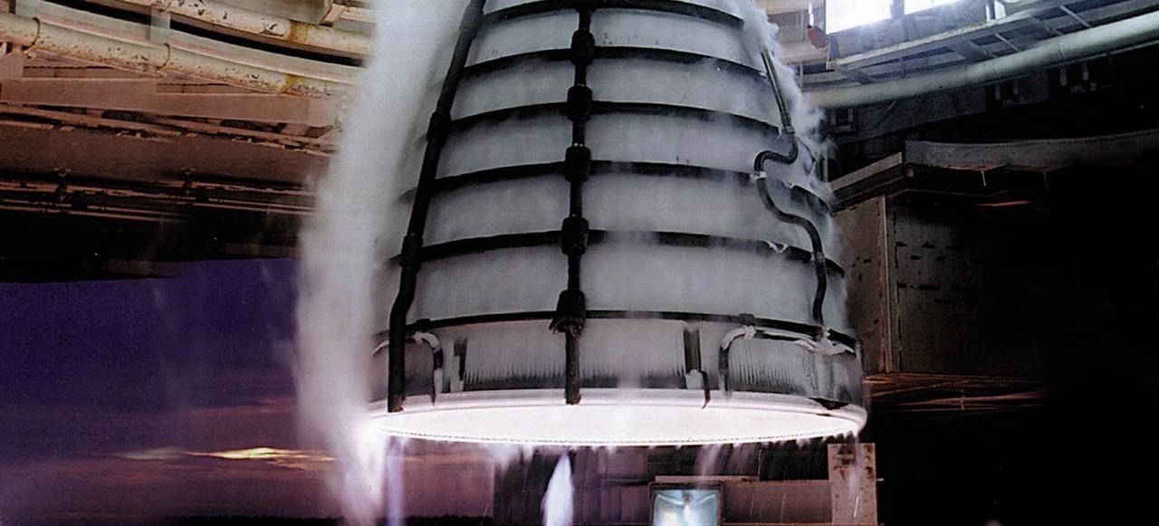 SpaceX отправила «марсианский» двигатель на испытания в Техас - 2