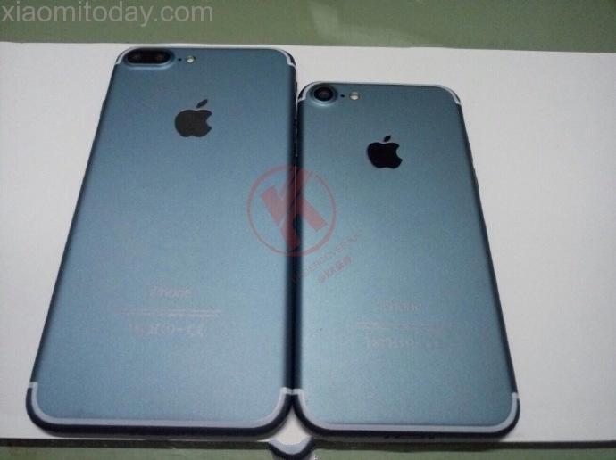 Фотография демонстрирует смартфон iPhone 7 Pro в цвете Navy Blue со сдвоенной камерой, но без разъема Smart Connector