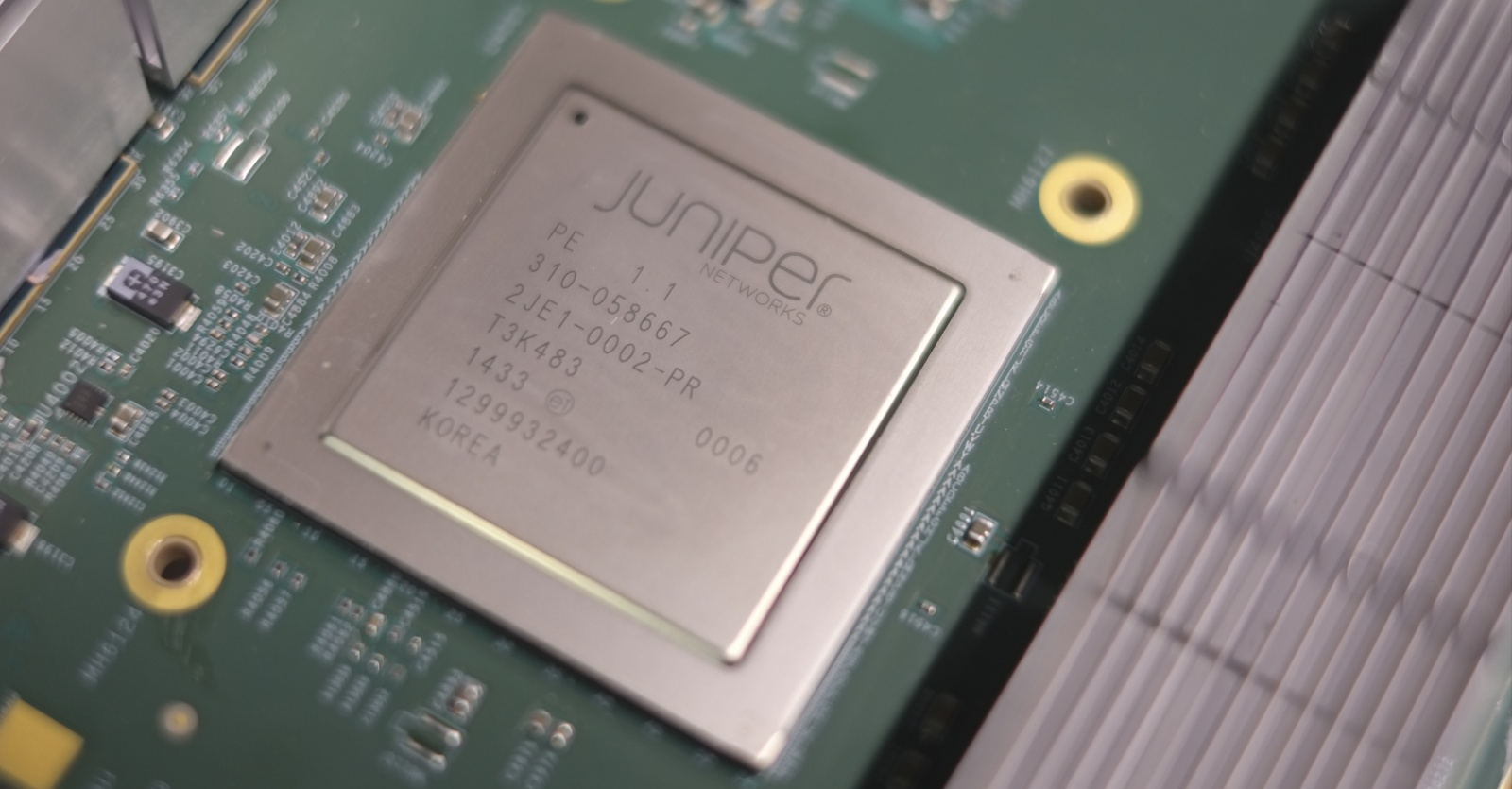 Juniper Hardware Architecture - 1