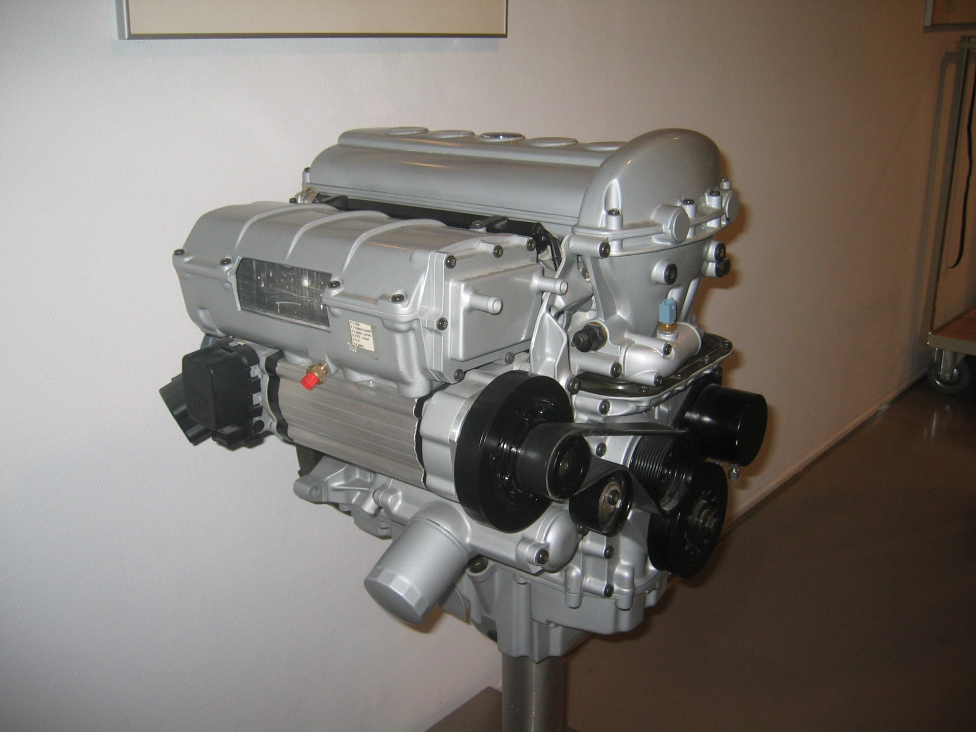 Nissan разработала ДВС с изменяемой степенью сжатия - 3