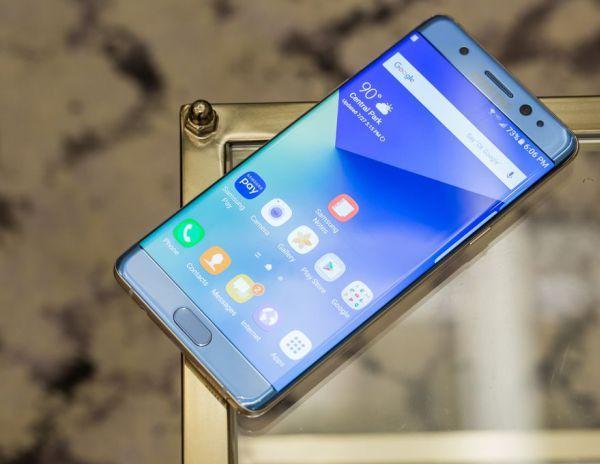 Samsung лидирует на рынке смартфонов с Android по всем показателям