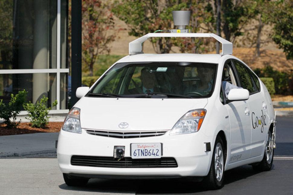 Робомобили Google все еще не готовы к массовому появлению на дорогах. Почему? - 1