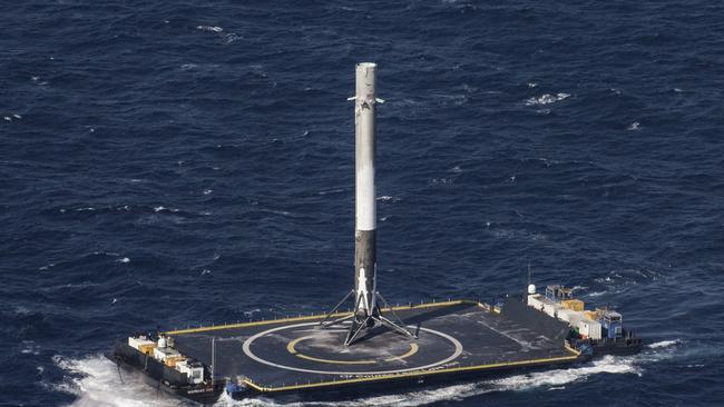 SpaceX арендует здание в Порту Канаверал
