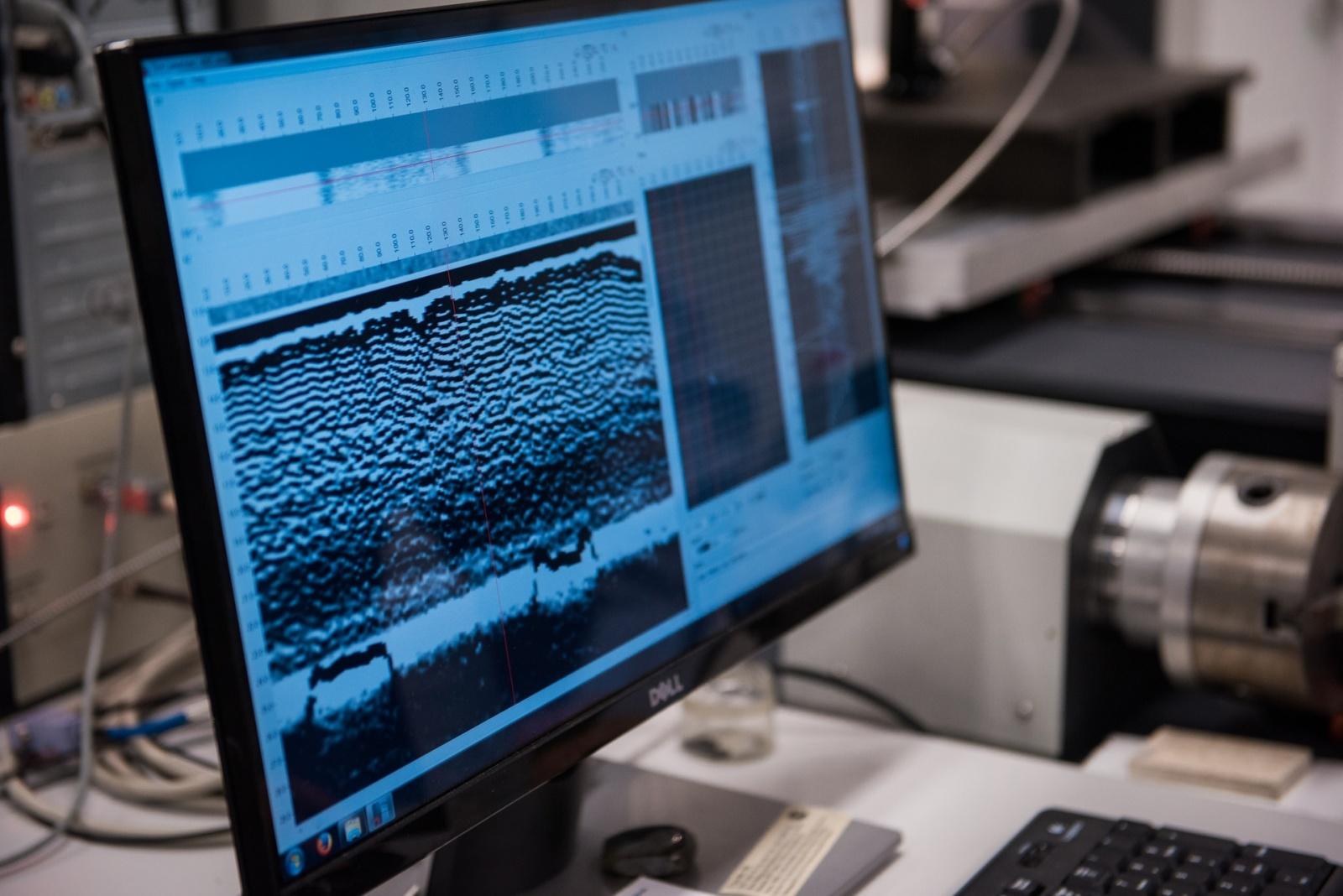 Ученые НИТУ «МИСиС» нашли способ обнаружить дефекты деталей самолета размером в 50 микрон - 2