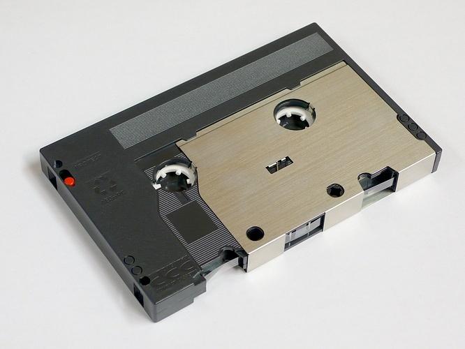 Забытые форматы аудио: цифровая компакт-кассета - 2