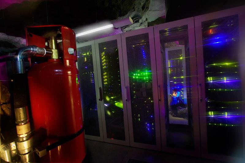 Ядерный бункер в Париже переоборудуют в дата-центр компании online.net - 15
