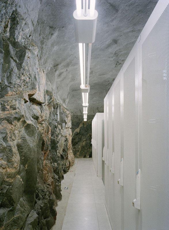 Ядерный бункер в Париже переоборудуют в дата-центр компании online.net - 17