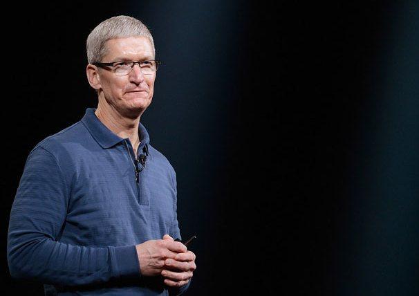 Тим Кук продал еще 270 тыс. акций Apple за $28,7 млн