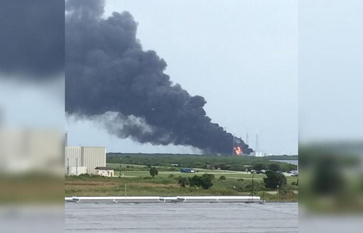 Ракета  Falcon 9 взорвалась за два дня до старта