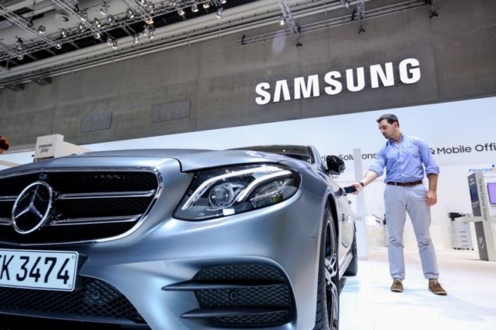 Смартфоны Samsung можно будет использовать для доступа к автомобилям Mercedes-Benz