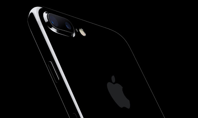 Apple признает, что корпус iPhone 7 в цвете Jet Black быстро покрывается царапинами