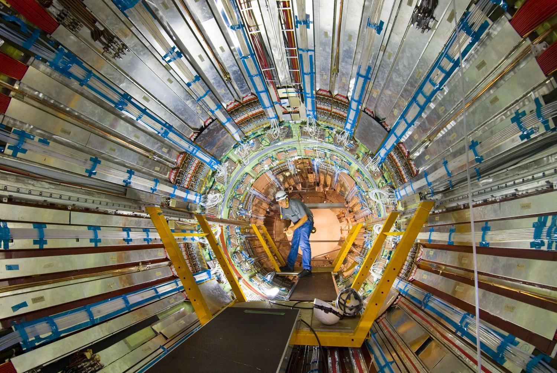 Физики из ЮАР уловили признаки тяжёлого бозона Мадала, который взаимодействует с обычной и тёмной материей - 4