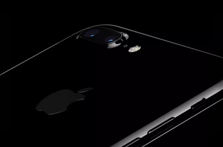 Инновации в деталях, или 4 альтернативы iPhone 7 - 1