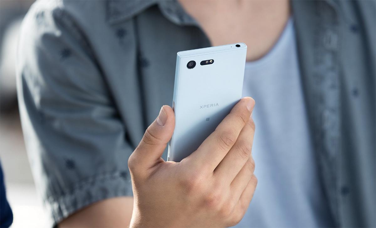 Sony Xperia XCompact поступает в продажу в России - 2