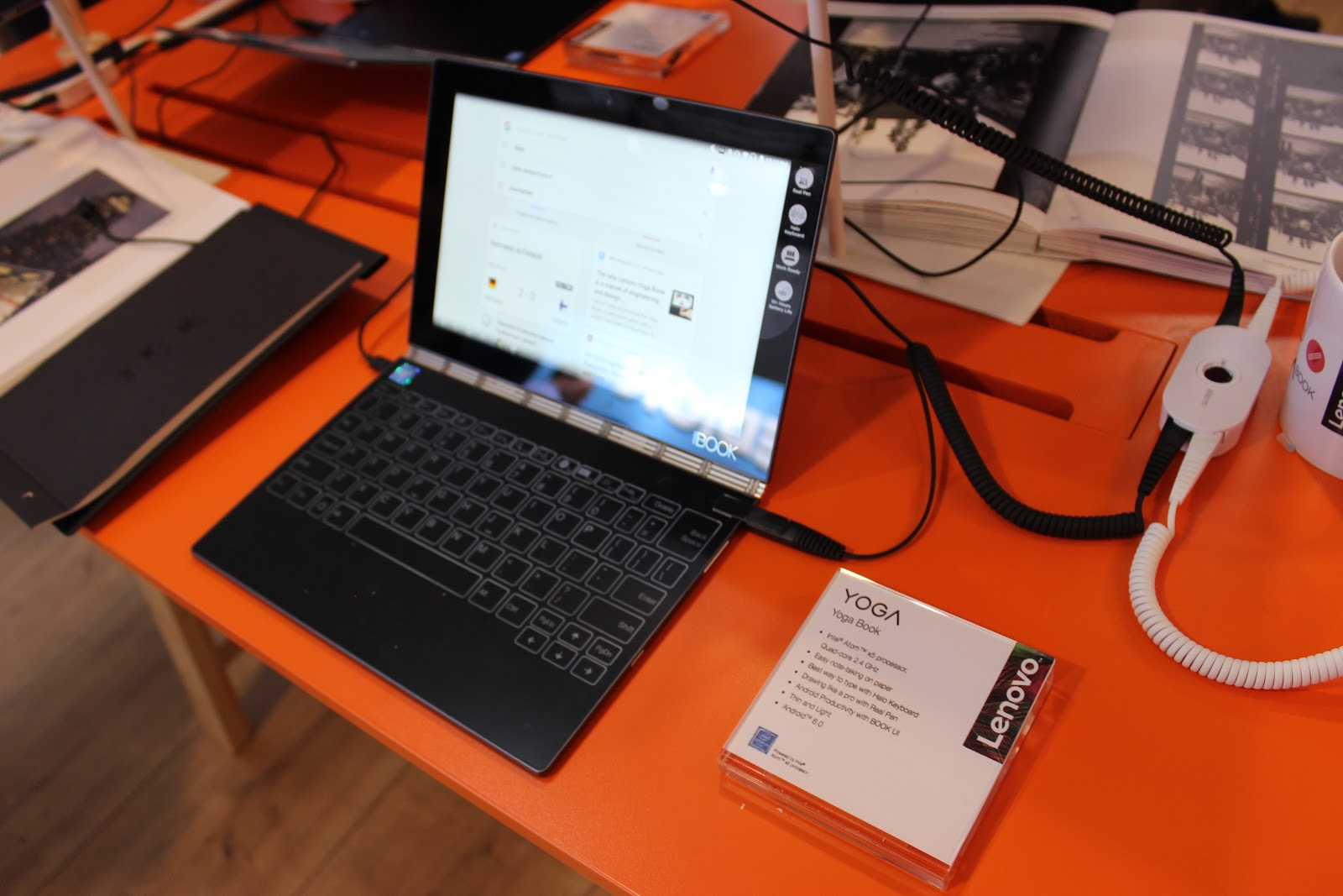 Гвоздь программы: Lenovo YOGA Book на IFA 2016 - 2