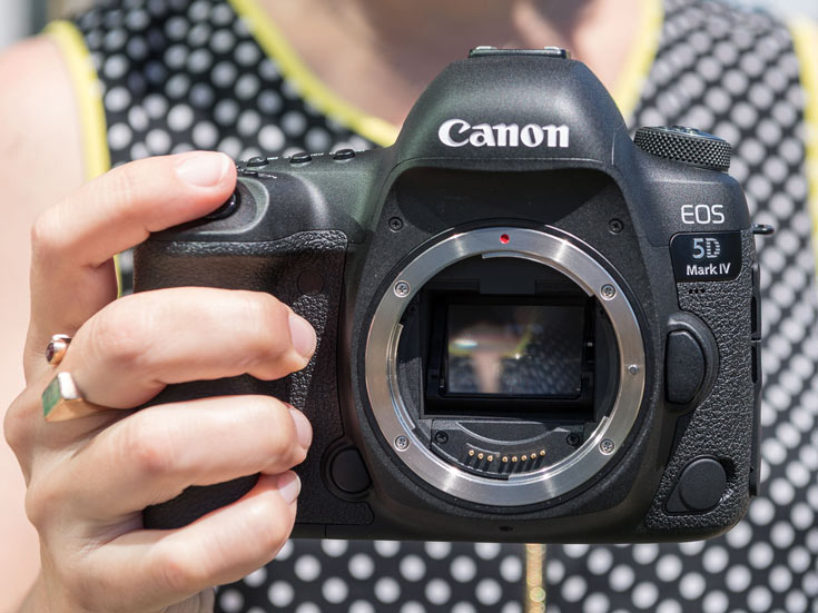 Специалисты LensRentals заглянули внутрь камеры Canon EOS 5D Mark IV