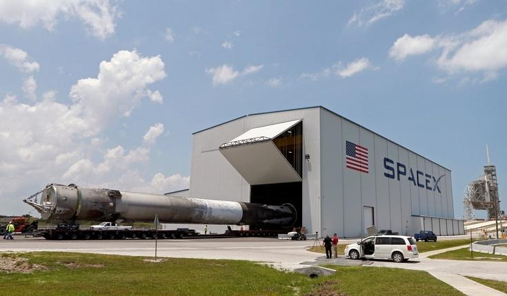 SpaceX берёт перерыв на три месяца