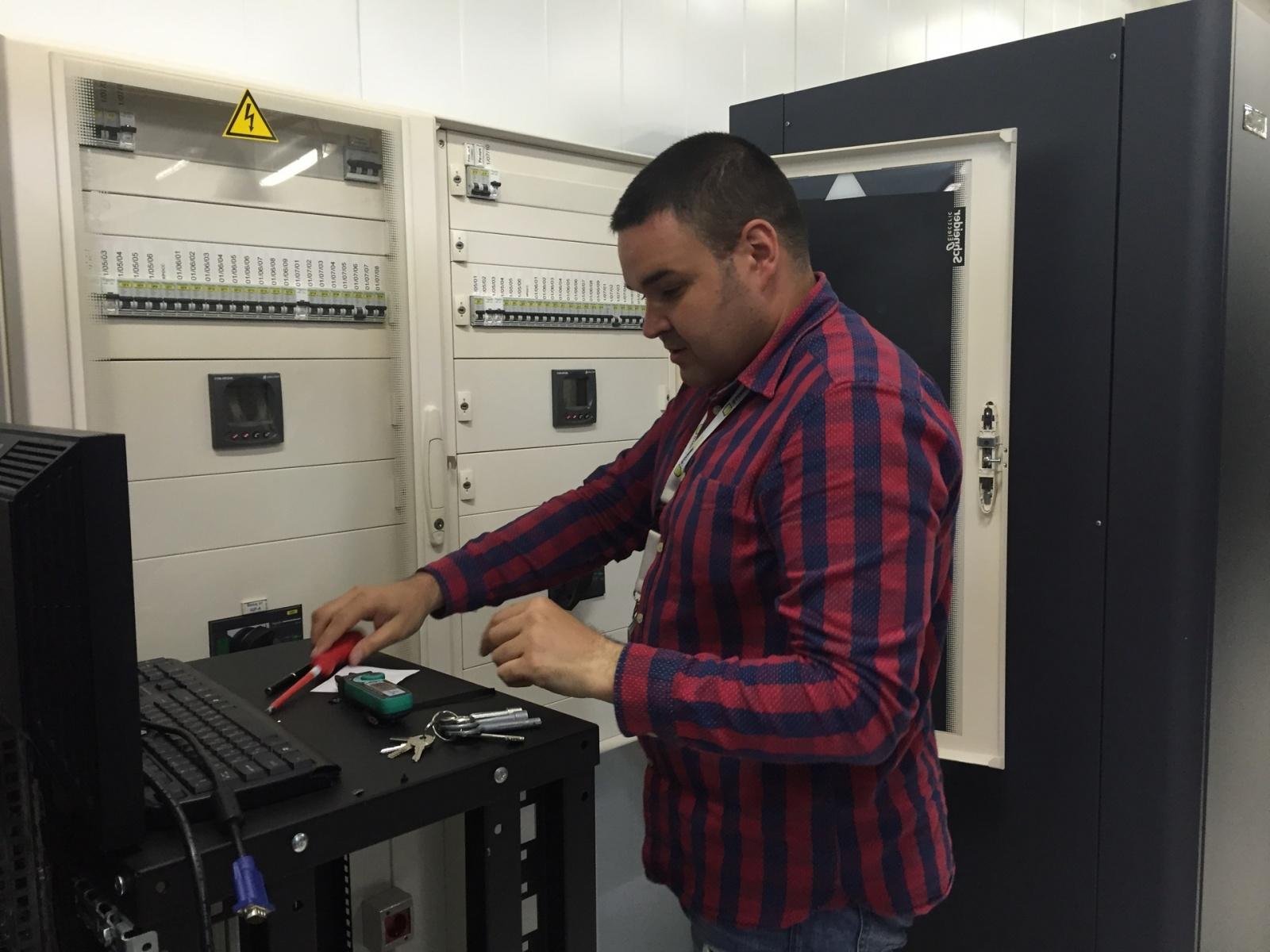 Цикл статей «NetRack Guards: на страже клиентской ИТ-инфраструктуры»: история о человеке, который знает все - 4