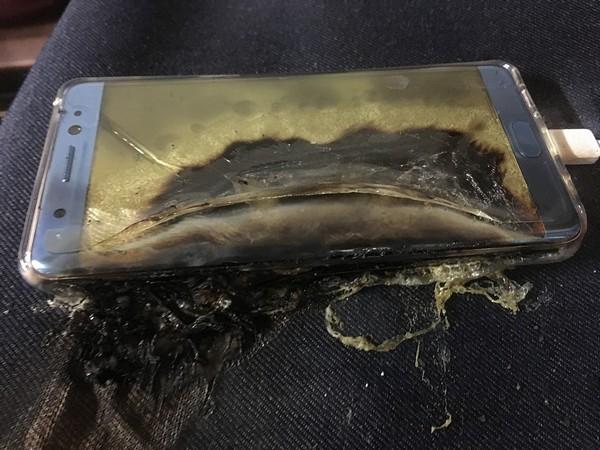Пассажиров общественного транспорта в Нью-Йорке просят не пользоваться Samsung Galaxy Note7
