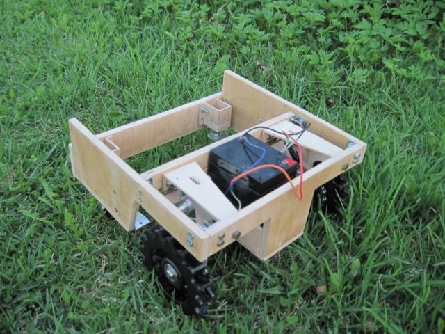 [Краудкосилка]-газонокосилка, которой может управлять любой желающий через интернет - 4