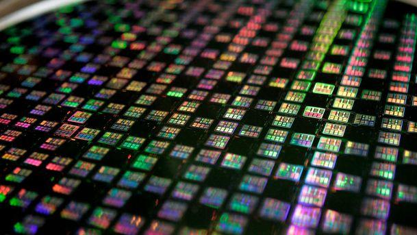 Intel занимает 14,7% рынка полупроводниковой продукции
