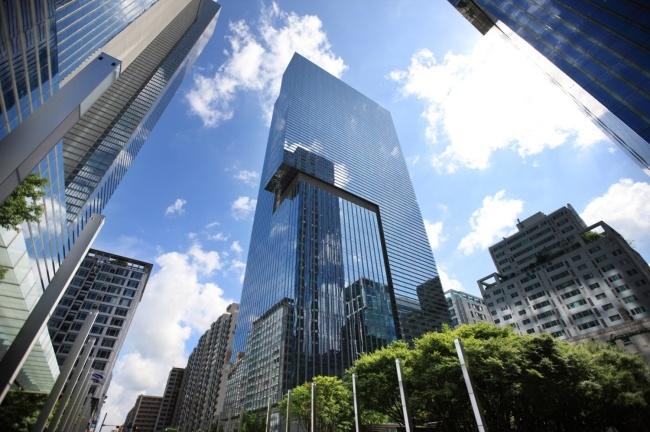 Денежные резервы Samsung Electronics достигли почти 70 млрд долларов
