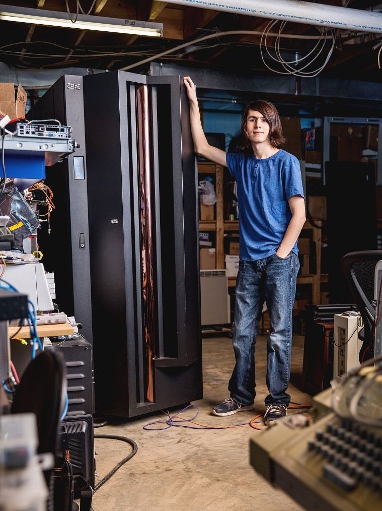 19-летний гик нашел работу благодаря восстановлению старого мейнфрейма IBM - 2