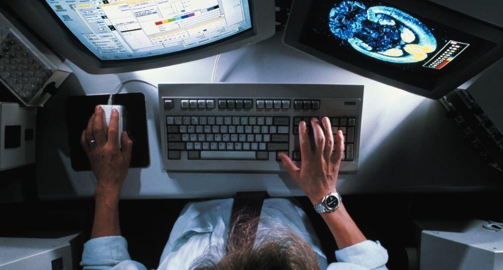 19-летний гик нашел работу благодаря восстановлению старого мейнфрейма IBM - 1